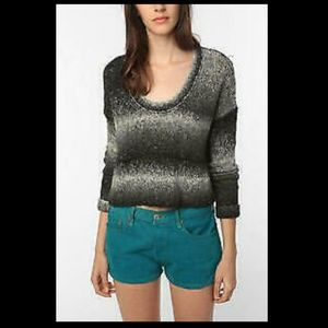 ECOTE URBAN OUTFITTERS GREY OMBRE CROP TOP SWEATER